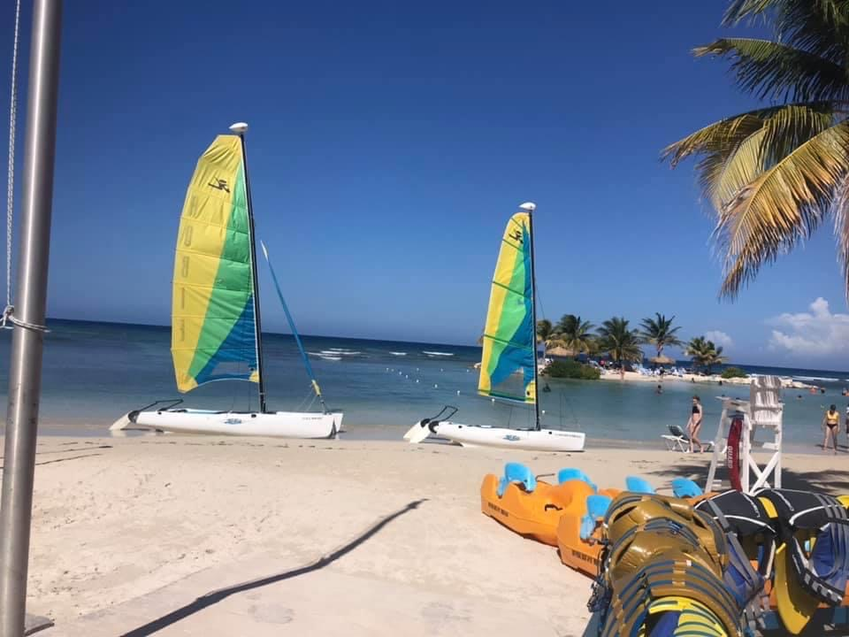Jamaica Family Resort: Holiday Inn All-Inclusive Resort  Montego Bay