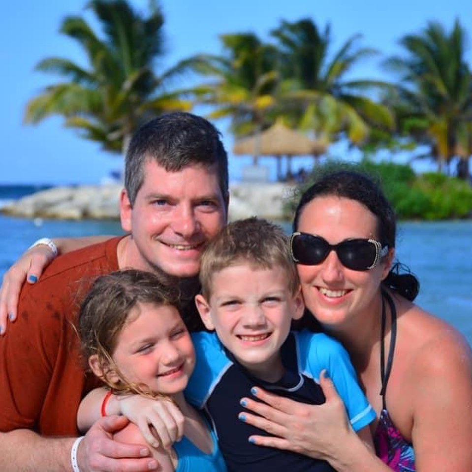 Budget Travel with Kids, Cheap Family Travel Vacations, Family vacation on a budget, affordable family vacation, budget family vacation