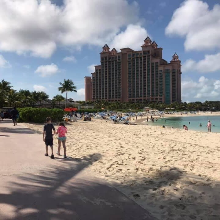 Ways to Save on an Atlantis Bahamas Vacation with Kids